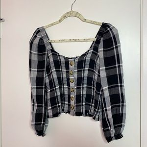Like-new black&white blouse from American Eagle